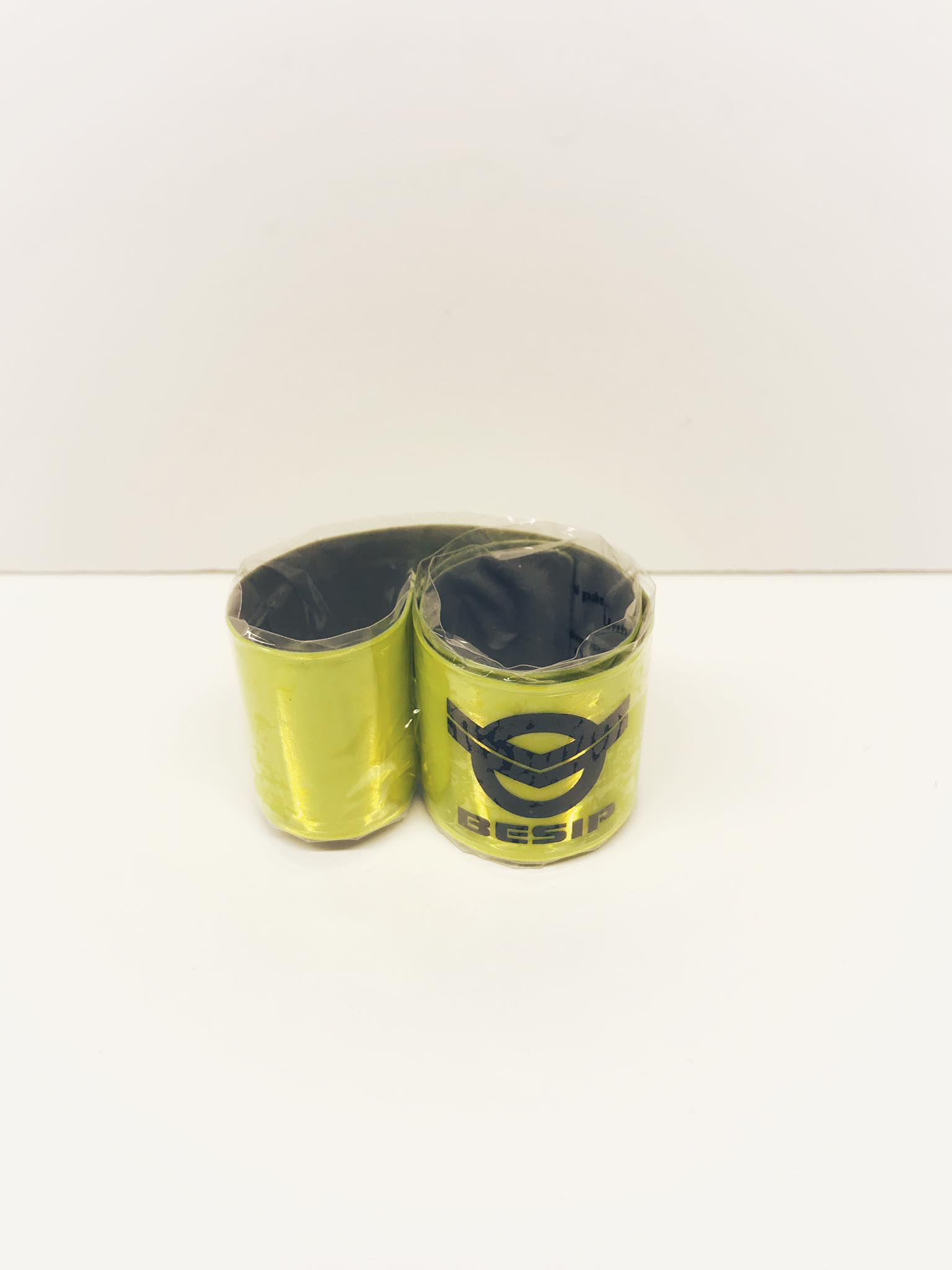 Pásek na ruku žlutý